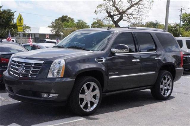 2010 CADILLAC ESCALADE grey air conditioning power windows power locks power steering tilt whe