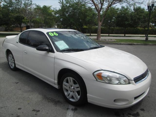 2006 CHEVROLET MONTE CARLO LTZ white a must see vehicle one owner low miles clean title