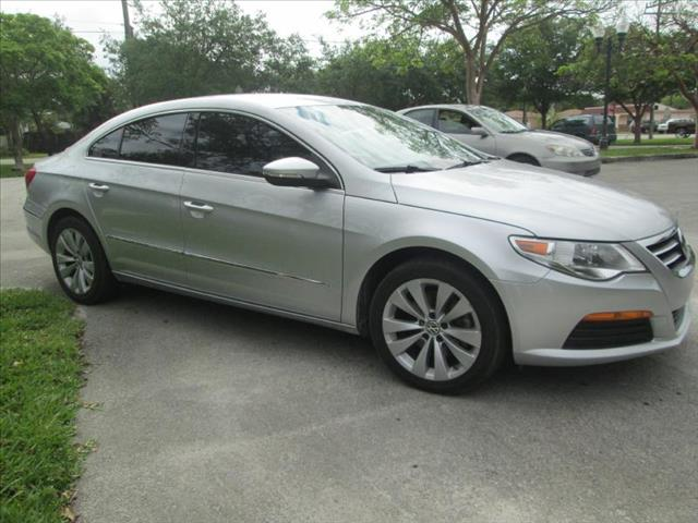 2011 VOLKSWAGEN CC SPORT silver perfect condition runs perfect one owner non smoker l