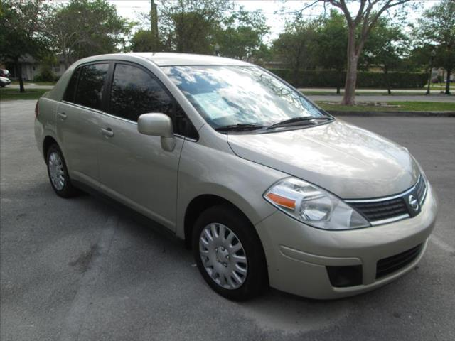 2009 NISSAN VERSA I4 tan managers special a must see vehicle  low miles clean titl