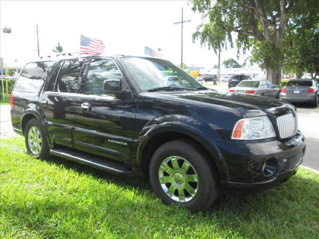 2004 LINCOLN NAVIGATOR ULTIMATE black managers special  super nice suv clean title no