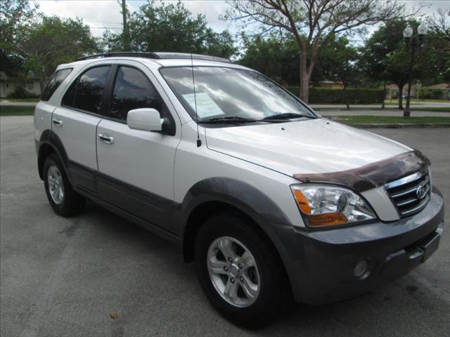 2008 KIA SORENTO EX white great price on this suv  6 cylinders saving you money on gas we