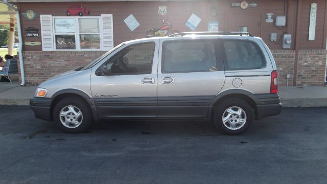 Used 2004 pontiac montana for sale for Head motor company columbia mo