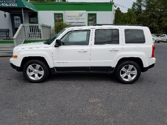 2012 JEEP PATRIOT LATITUDE 4DR SUV white abs - 4-wheel active head restraints - dual front air