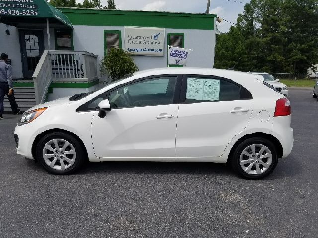 2014 KIA RIO5 LX 4DR WAGON 6A white abs - 4-wheel active head restraints - dual front airbag de