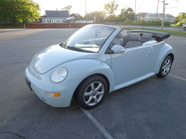 2005 Volkswagen New Beetle