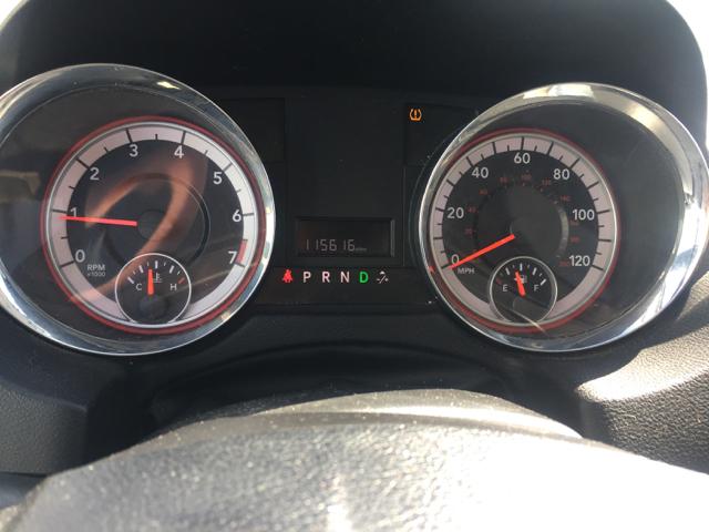 2012 Dodge Grand Caravan SXT 4dr Mini-Van - Davenport IA