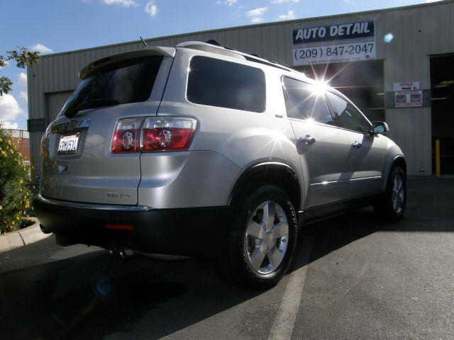 2007 GMC Acadia SLT2 - Escalon  CA