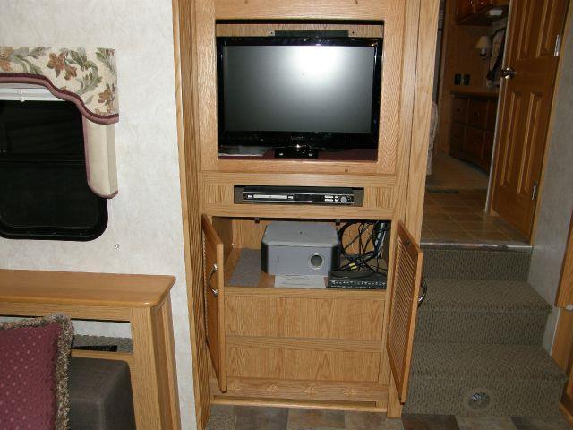 2007 NuWa Hitchhiker 26.5RL  - Escalon CA