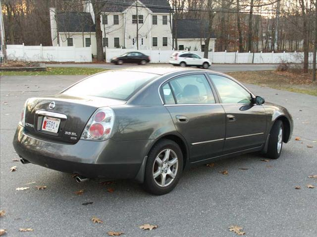 2005 nissan altima 3 5 sl in maynard ma greater auto sales and services. Black Bedroom Furniture Sets. Home Design Ideas