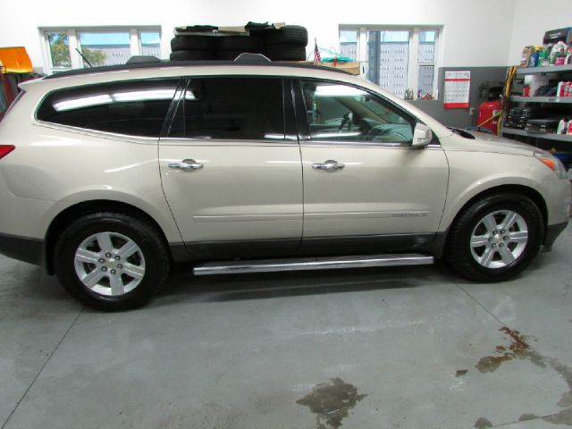 2009 chevrolet traverse lt for sale with photos carfax autos post. Black Bedroom Furniture Sets. Home Design Ideas
