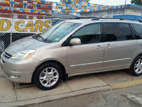 2004 Toyota Sienna for sale in Camden, NJ