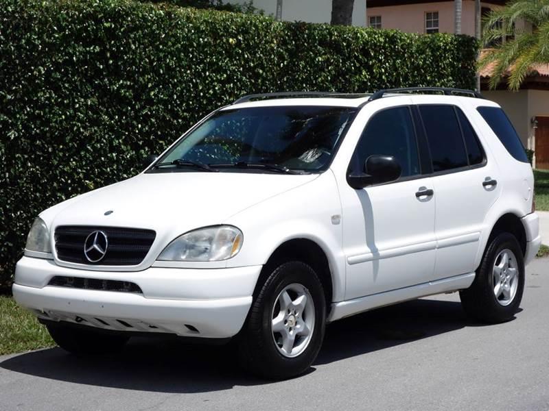 1999 MERCEDES-BENZ M-CLASS ML320 AWD 4DR SUV white abs - 4-wheel anti-theft system - alarm cass