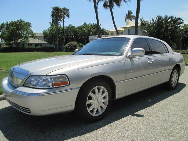 2008 LINCOLN TOWN CAR SIGNATURE LIMITED 4DR SEDAN silver beautiful vehicle runs great very clea