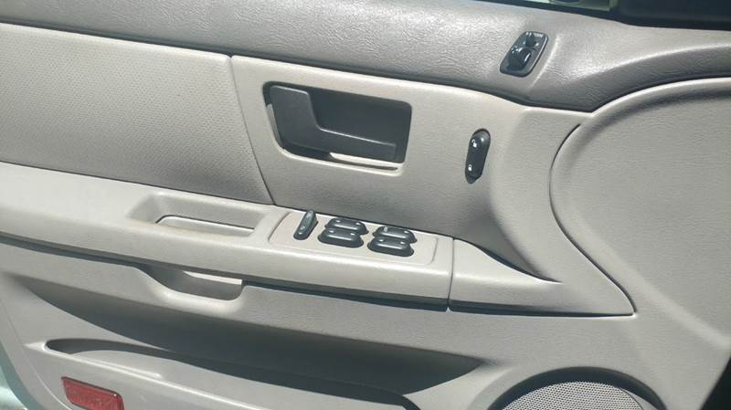 2005 Ford Taurus SE - Spencerport NY