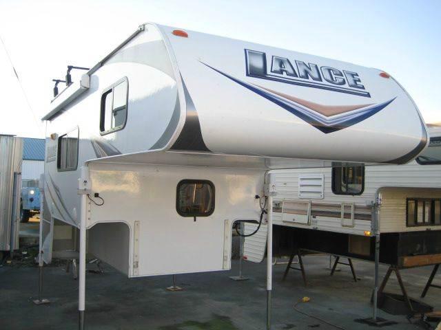 2010 Lance Camper 825