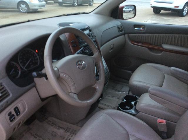 2004 Toyota Sienna XLE 7-Passenger 4dr Mini-Van - Lyman SC