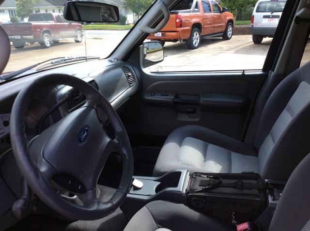 2005 Ford Explorer Sport Trac XLT 4dr Crew Cab SB RWD - Lyman SC