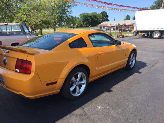 2009 Ford Mustang GT Premium 2dr Fastback - Franklin IN