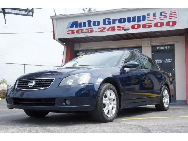 2005 NISSAN ALTIMA 4DR SDN I4 MANUAL 25 dk blue please check dealer website for any disclaimers