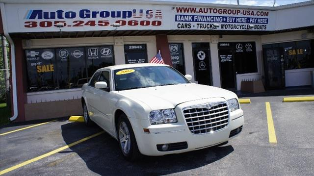 2007 CHRYSLER 300 4DR SDN 300 TOURING RWD white fully loaded low mileage must see new tires po