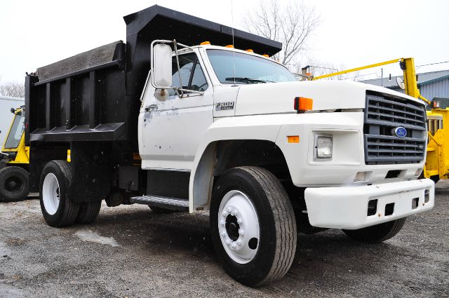 1992 Ford F-800