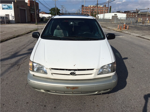 1998 Toyota Sienna for sale in Cleveland, OH