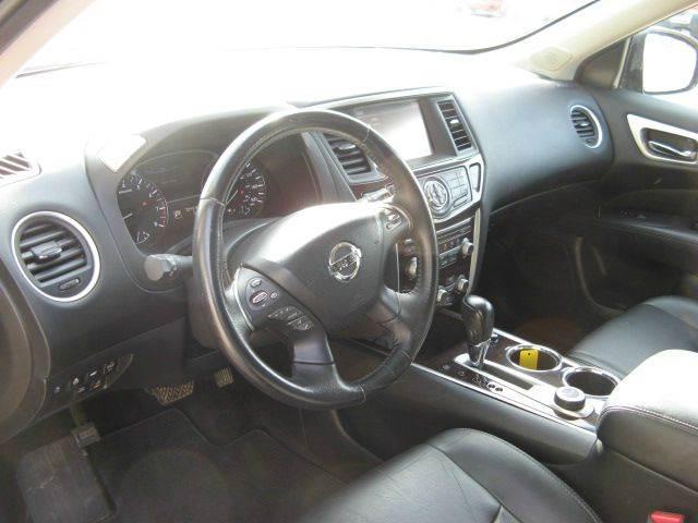 2013 Nissan Pathfinder 4x4 Platinum 4dr SUV - Atkinson NE