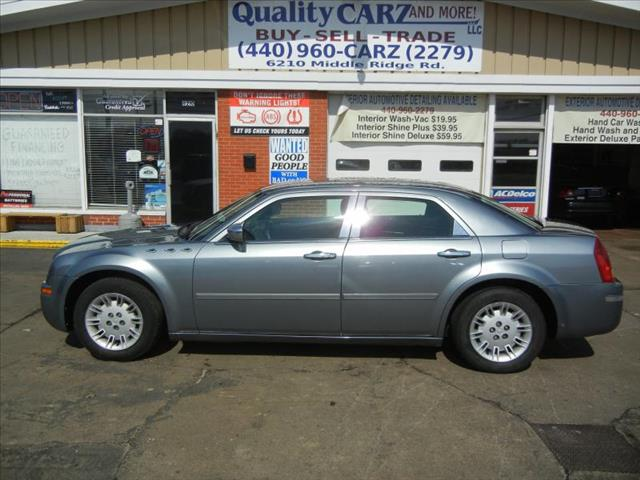 2006 Chrysler 300 for sale in Lorain OH