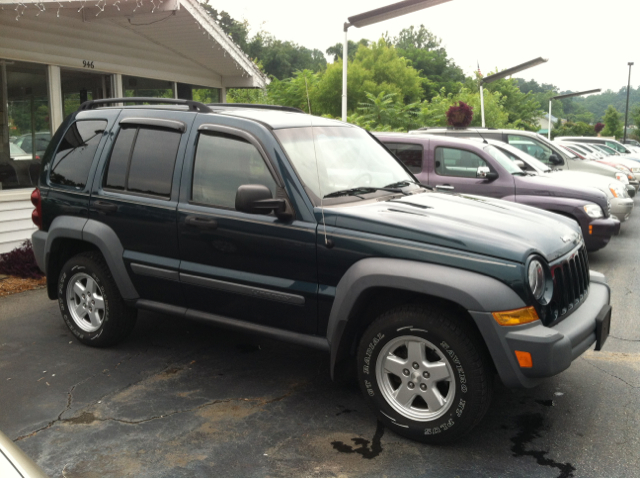 2006 jeep liberty sport 4wd for sale in asheville alexander arden roberts auto sales. Black Bedroom Furniture Sets. Home Design Ideas