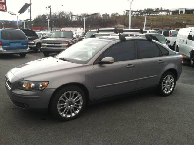 2005 volvo s40 t5 awd in asheville hendersonville mars hill roberts auto sales. Black Bedroom Furniture Sets. Home Design Ideas