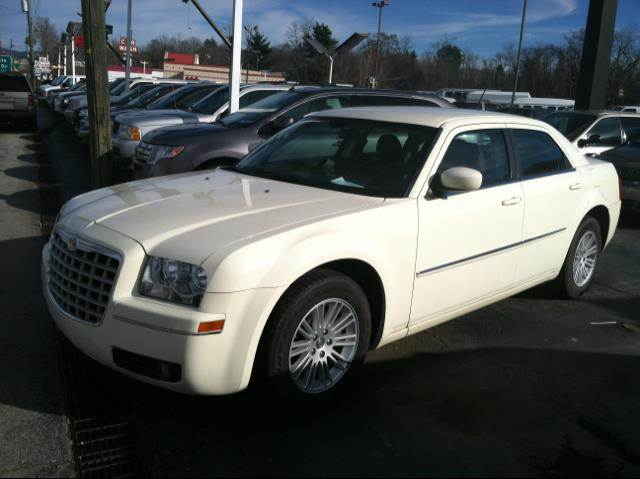 2008 Chrysler 300M