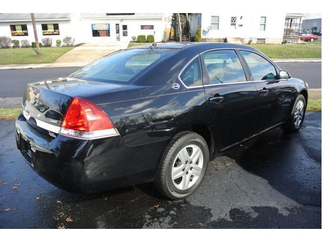 2008 Chevrolet Impala LS 4dr Sedan w/ roof rail curtain delete - Urbana OH