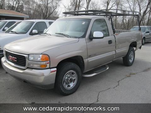 2000 GMC Sierra 2500 for sale in Ceder Rapids, IA