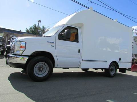 2009 Ford E-Series Chassis for sale in Paterson, NJ