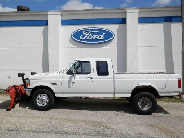 1997 Ford F-250 XL HD SuperCab Long Bed 4WD - Edgewood IA