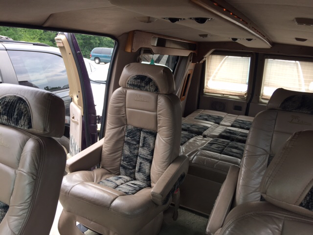 1997 Ford E-150 3dr Chateau Club Wagon Passenger Van - Dalton GA