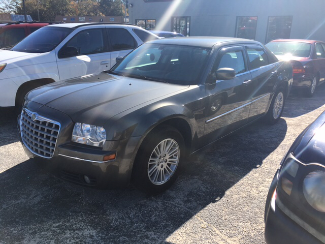 2009 chrysler 300 touring 4dr sedan in sumter sc ron 39 s. Black Bedroom Furniture Sets. Home Design Ideas