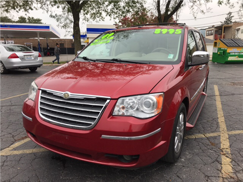 2009 Chrysler Town and Country for sale in Chicago, IL