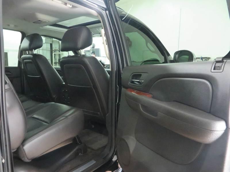 2011 Chevrolet Avalanche 4x4 LTZ 4dr Crew Cab Pickup - Hudsonville MI