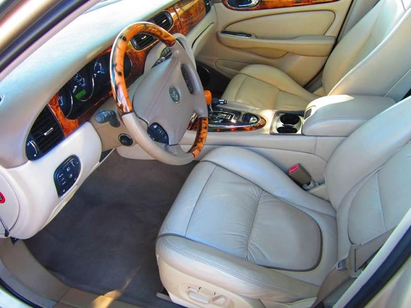 2004 Jaguar XJ-Series Vanden Plas 4dr Sedan - Deerfield Beach FL