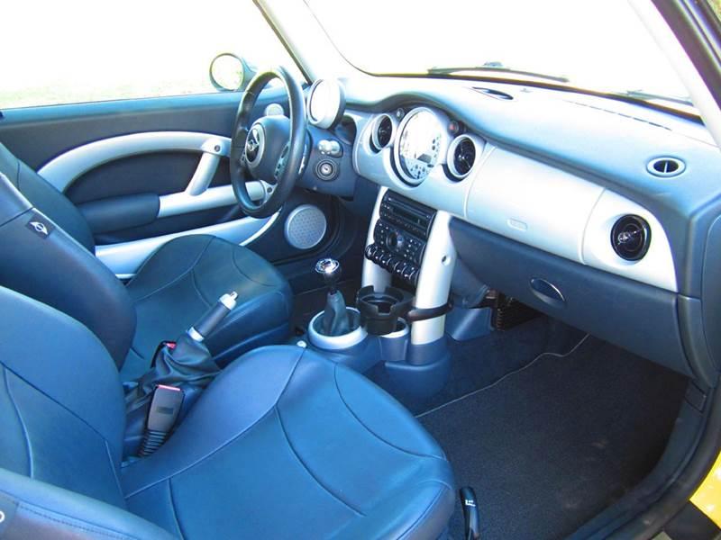 2004 MINI Cooper 2dr Hatchback - Deerfield Beach FL