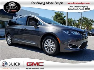2017 Chrysler Pacifica for sale in Delray Beach, FL