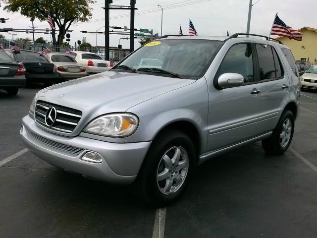 2004 MERCEDES-BENZ M-CLASS ML500 silver 4wdawdabs brakesair conditioningalloy wheelsamfm rad