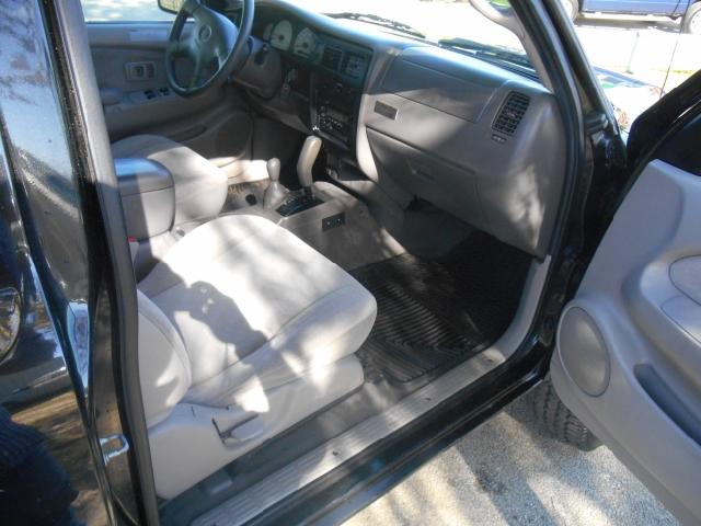 2004 Toyota Tacoma 2dr Xtracab V6 4WD SB - Tyler TX