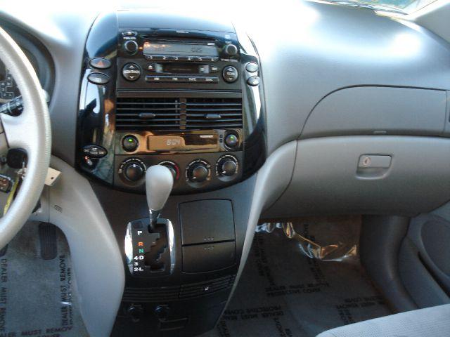 2005 Toyota Sienna LE - 7 Passenger Seating - Sacramento CA