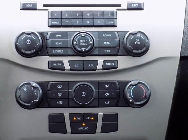 2008 Ford Focus SE 4dr Sedan - Buffalo NY