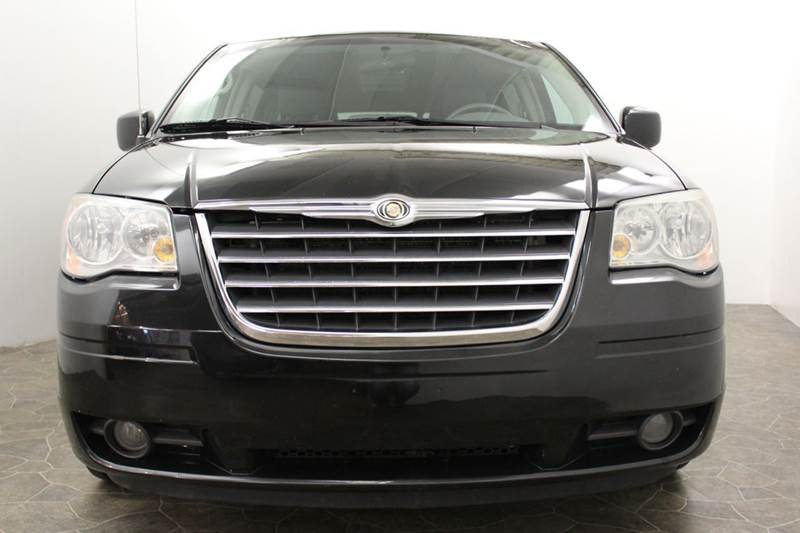 2008 Chrysler Town and Country Touring 4dr Mini-Van - Grand Rapids MI
