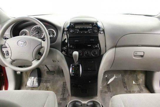 2005 Toyota Sienna AWD LE 7-Passenger 4dr Mini-Van - Grand Rapids MI
