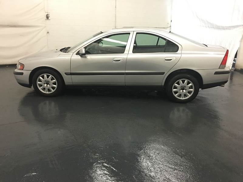2002 Volvo S60 2.4 4dr Sedan - Grand Rapids MI